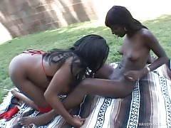 LesbianDimes